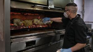 ¿Pit o cuixa?, l'èxit del pollastre a l'ast durant el confinament