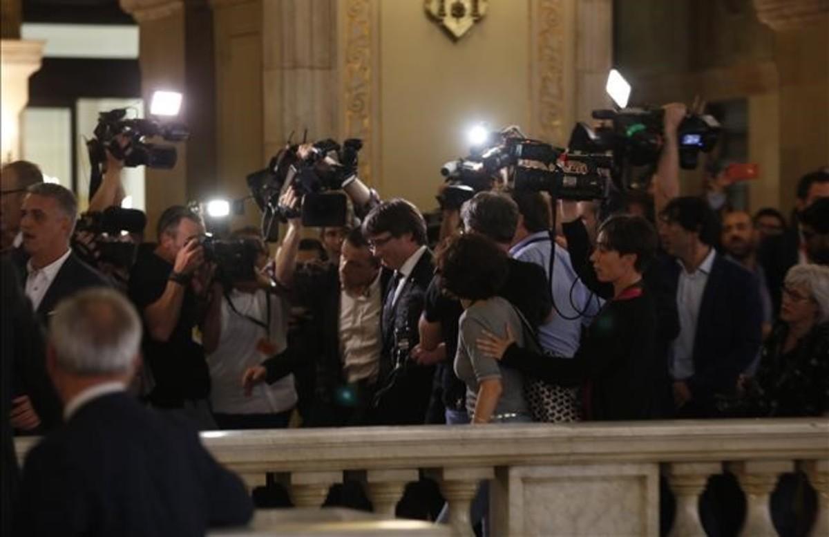 Una mínima porción de los 1.000 periodistas acreditados en el Parlament.