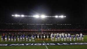 Momento de himnos de España e Inglaterra