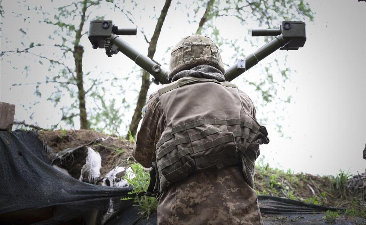 Un soldado de Ucrania durante el conflicto con los separatistas prorrusos en el este del país, en mayo del 2019,