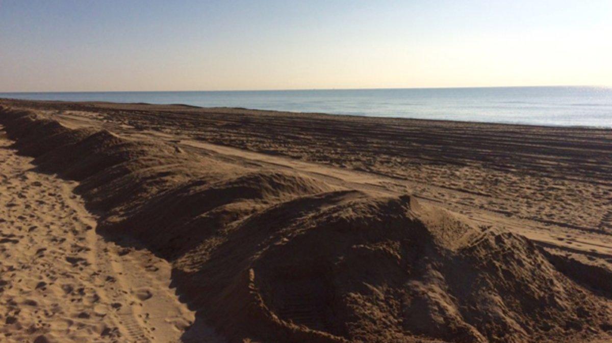 El temporal de Semana Santa hizo estragos en la playa de Gavà