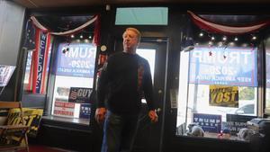 Clint Blaney, voluntario de lasoficinas que buscan votos para el mandatario en Waynesburg
