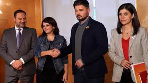 El PSOE i ERC obren la porta a noves vies de consulta als catalans
