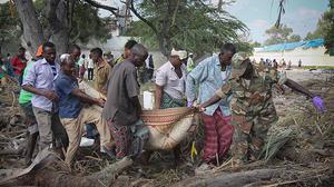 Atemptat amb cotxe bomba suïcida a Mogadiscio.