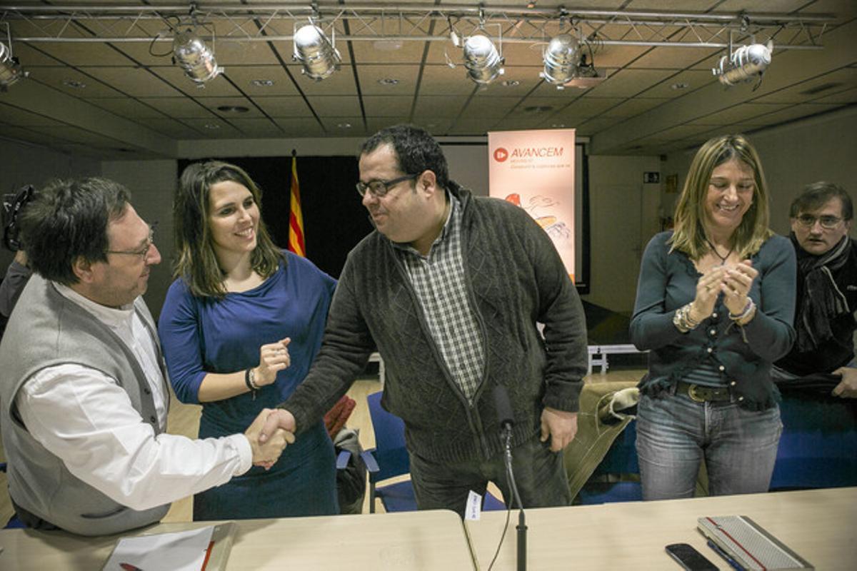Joan Ignasi Elena, durante la reunion de la corriente crítica del PSC AVANCEM, esta mañana