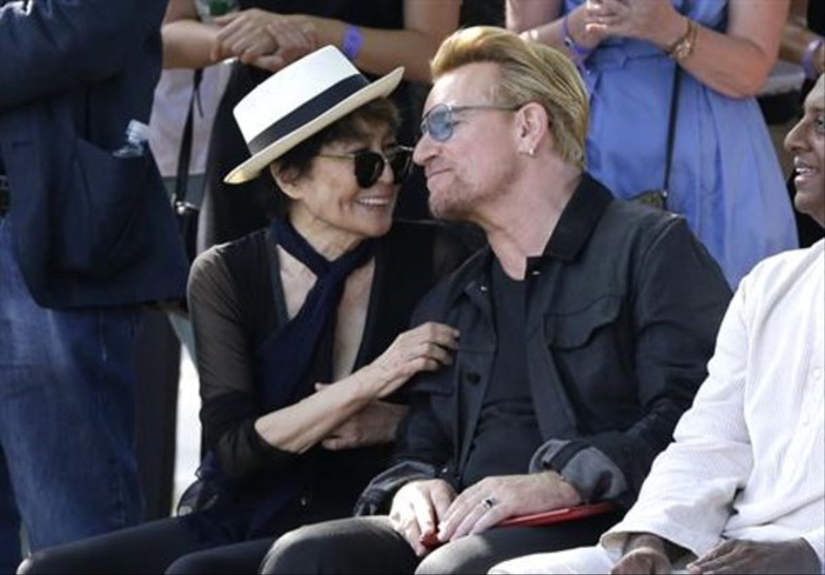 Yoko Ono y Bono recuerdan a John Lennon