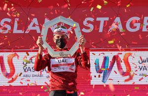 Tadej Pogacar, este sábado, en el podio final del UEA Tour.