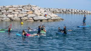 Surf polo i altres activitats insòlites de l'estiu a Barcelona