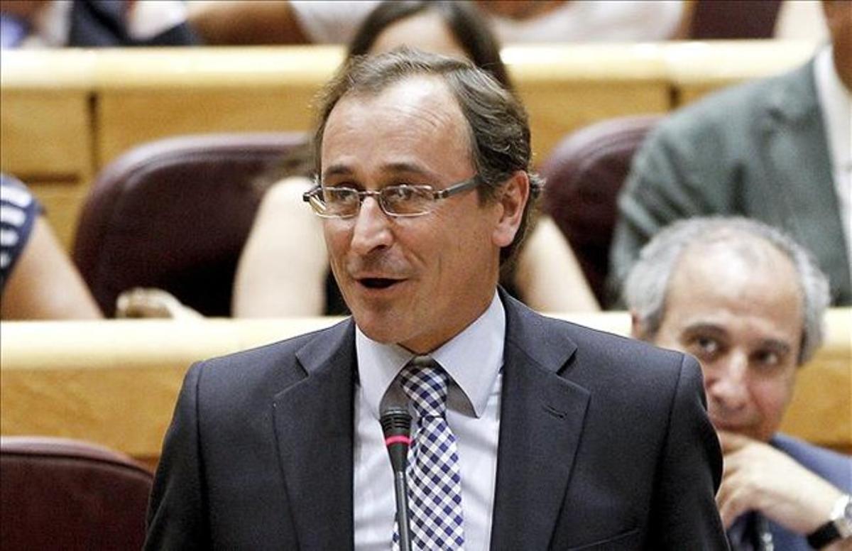 El portavoz del PP, Alfonso Alonso, durante un pleno en el Congreso