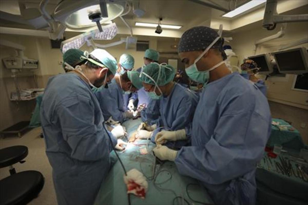La cirugía de los párpados y la rinoplastia son las más solicitadas por los varones.