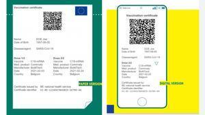 Pasaporte covid, en sus versiones de papel y digital.