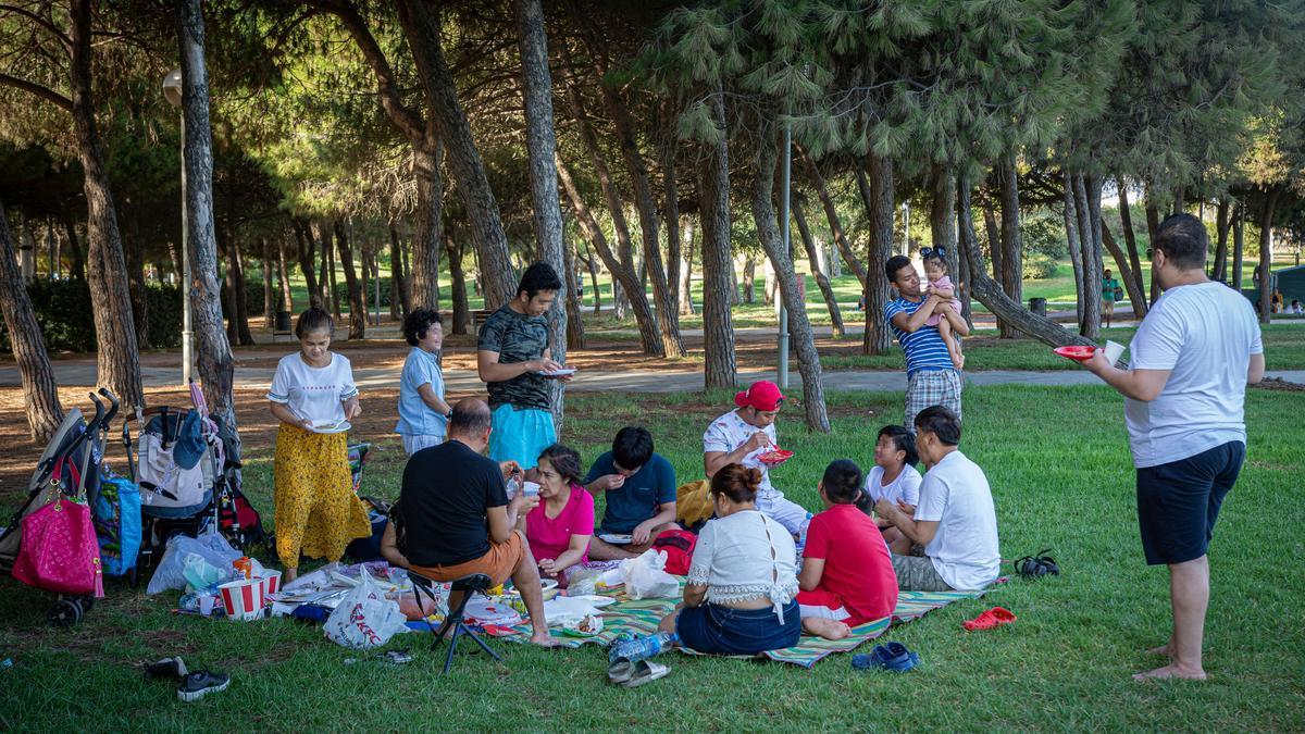 Catalunya permitirá las reuniones sociales de más de 10 personas