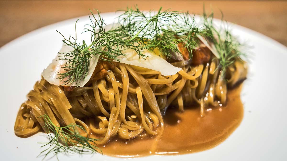 La receta de Albert Ventura: cómo preparar 'linguine' con erizos.