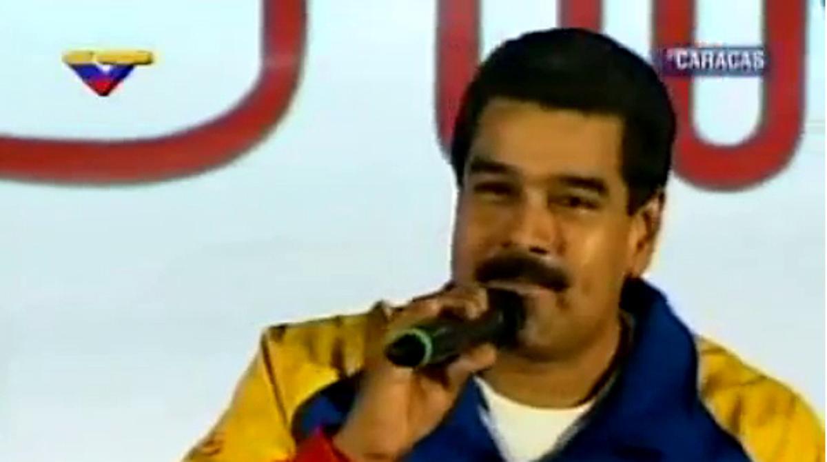 Maduro anuncia la instalación de fábricas de preservativos para blindar a la patria de embarazos precoces.