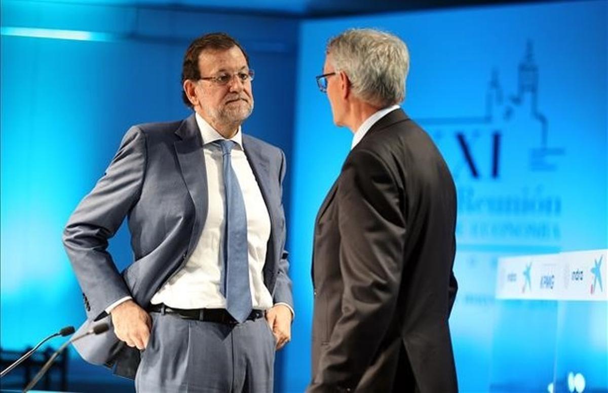 Mariano Rajoy y el presidente del Cercle d'Economia, Antón Costas, en mayo del año pasado en Sitges.
