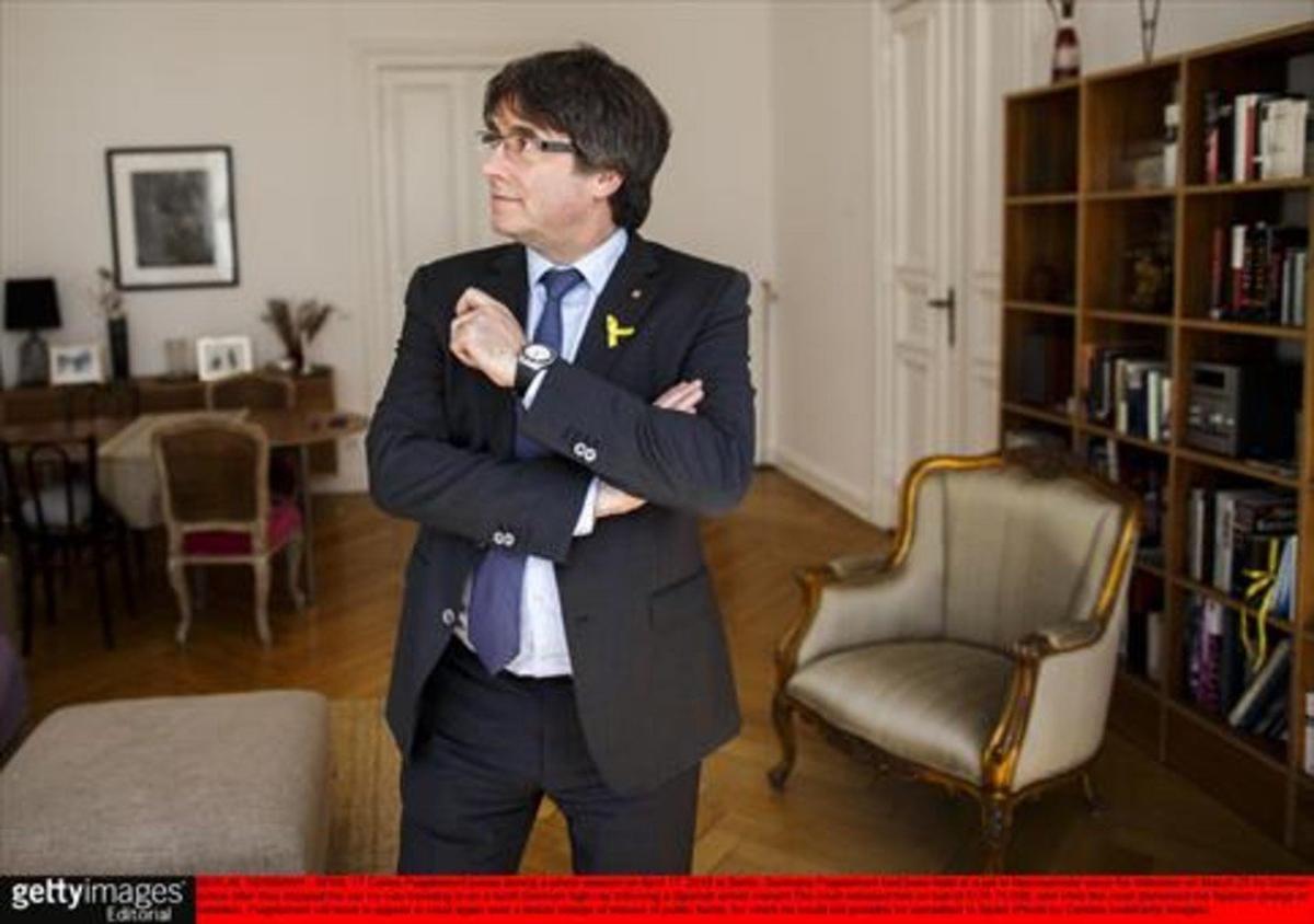El 'expresident' Carles Puigdemont posaayer en una sesión fotográfica en Berlín.