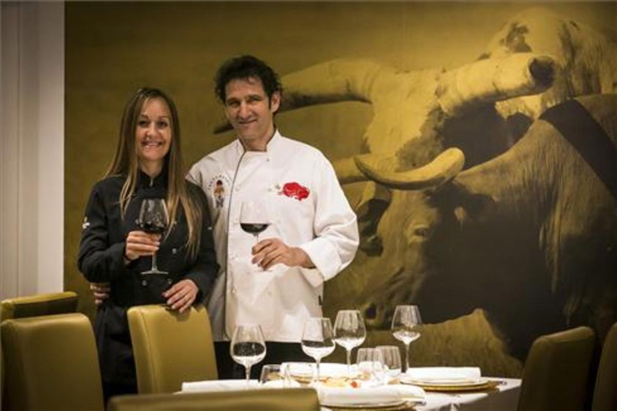 Paqui Esteban y Rafa Martínez, en el nuevo comedor de Can Xurrades. Foto: Joan Puig
