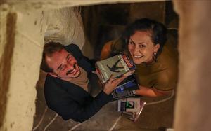 Sergio Lledóy Azra Ibrahimovic que acaban de abrir una libreria en el antiguo local de Negra y Criminal.