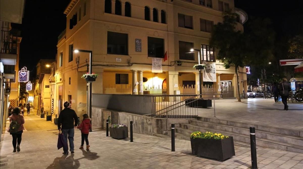 Bloc 17, en la plaza de Eivissa de Horta, esta semana.