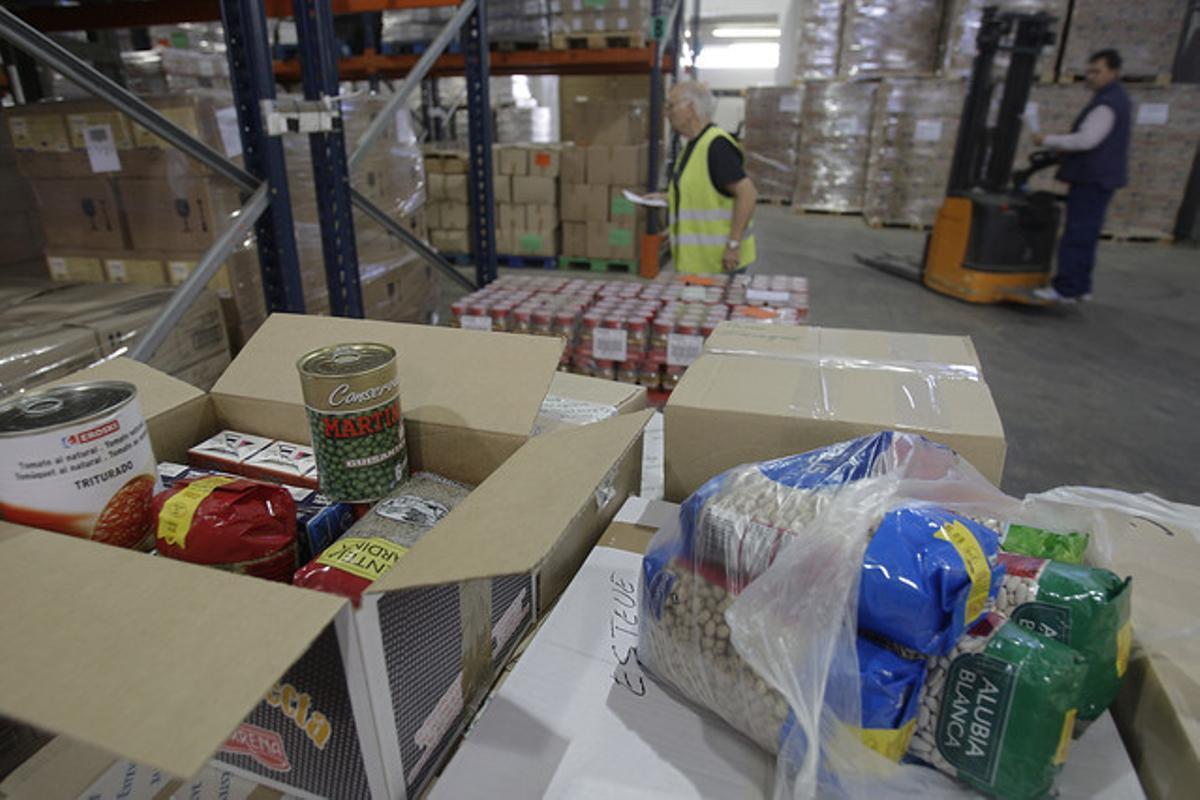 Productos en un almacén del Banco de Alimentos de Barcelona.