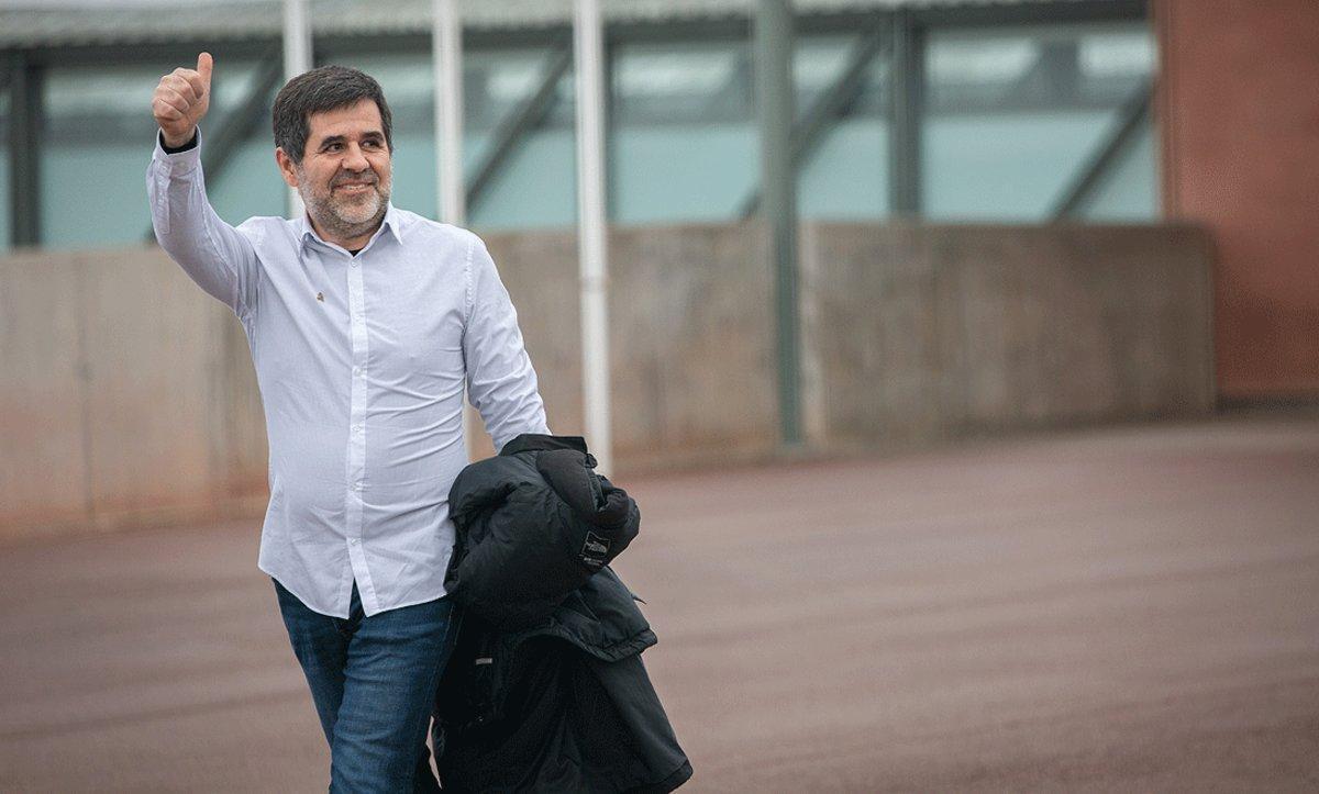 Jordi Sànchez sale de la cárcel de Lledoners en su primer permiso penitenciario de dos días, el pasado 25 de enero.