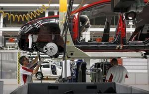 Cadena de montaje del Seat León en Martorell.