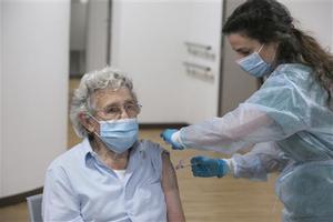 Sanitat confirma una menor incidència en els avis de residències ja vacunats