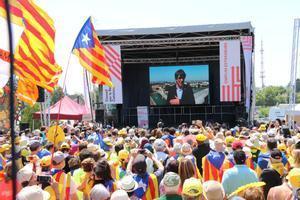 Puigdemont interviene a través de un vídeo y desde suelo alemán en el acto independentista de Estrasburgo, en Francia, el día de la constitución del Parlamento Europeo.