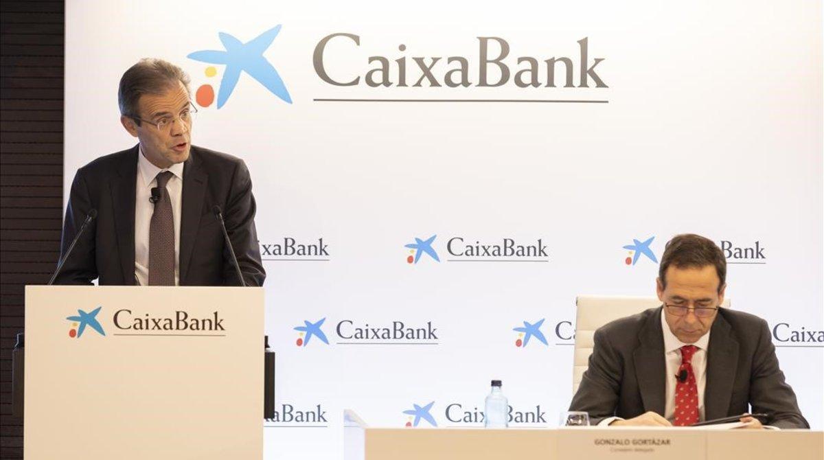 El consejero delegado Gonzalo Gortazar y el presidente Jordi Gual en la presentación de resultados de 2019 el pasado mes de enero