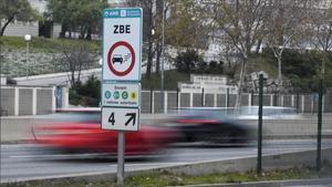 Aviso de entrada a una zona de bajas emisiones de Barcelona.