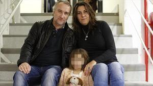 Nadia Nerea Blanco Garaucon sus padresFernando Blanco y Marga Garau.