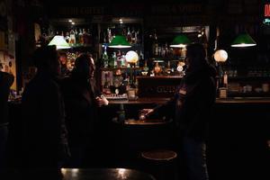 Ambiente en un bar de Madrid, este viernes.