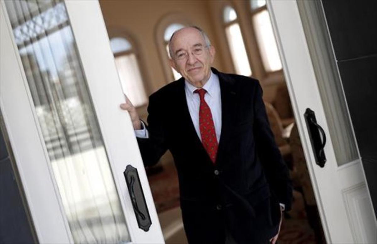 Miguel Ángel Fernández Ordóñez, ayer, en Madrid.