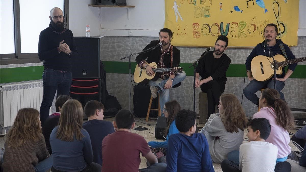 Alumnes catalans preparen un disc benèfic per construir una escola en Kènia