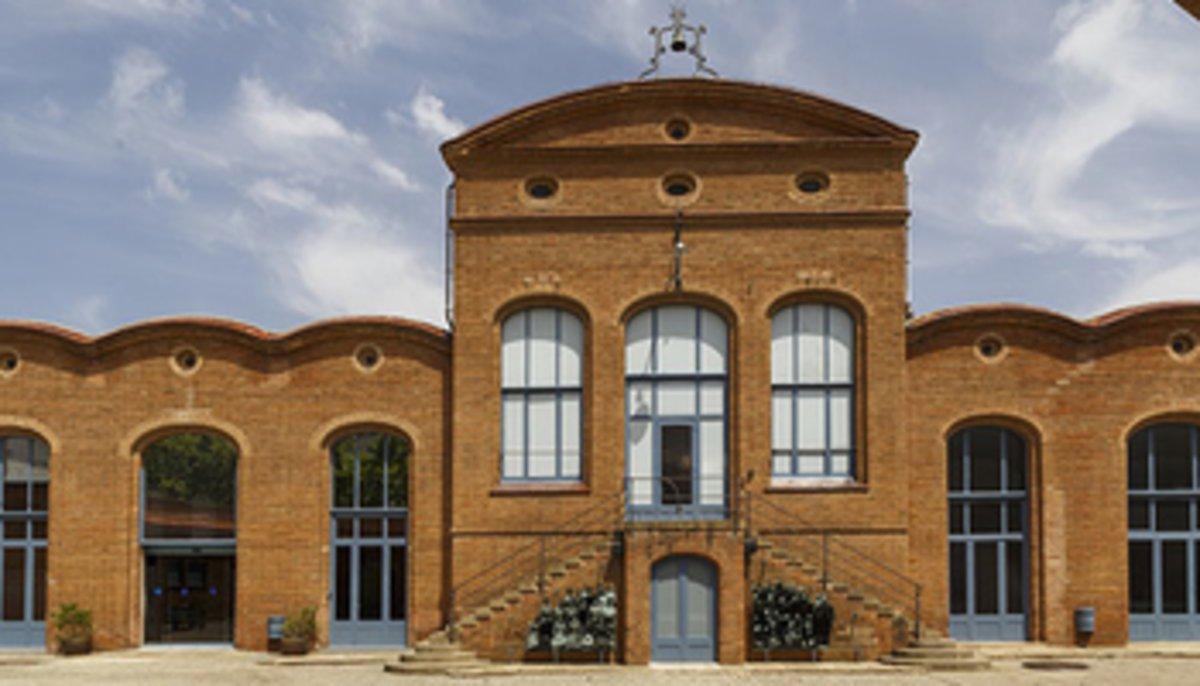 Fachada del Museo Nacional de la Ciencia y de la Técnica de Catalunya en Terrassa.