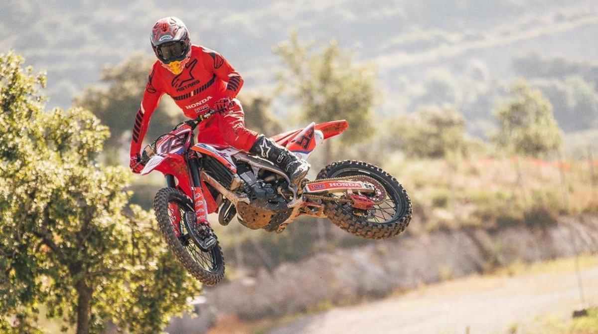 Marc Márquez (Honda), practicando, el pasado martes, en el circuito de motocross El Bosquet de Ponts, en Lleida.