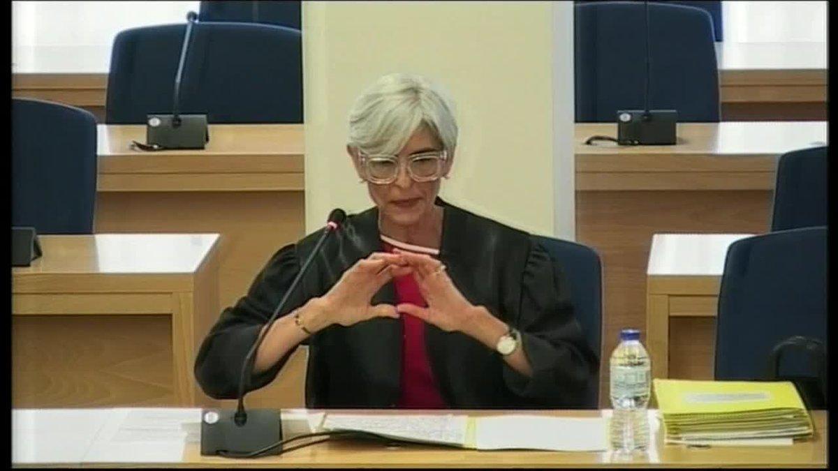 La abogada de Trapero, Olga Tubau, en su defensa del mayor en la Audiencia Nacional, ha reprochado a la Fiscalía que haya manejado a su antojo la sentencia del Supremo, asegurando que da por probado que el referéndum ilegal tenía como finalidad la proclamación de la república independiente de Catalunya, cuando lo que dice es que no tenía como finalidad la secesión.