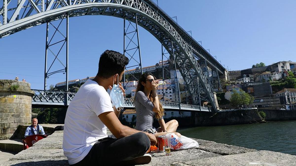 La comunidad LGTBI+ brasileña se refugia en Portugal