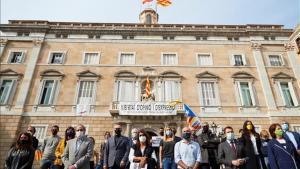 Partidos y entidades independentistas en la plaza de Sant Jaume de Barcelona.