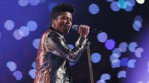 Bruno Mars, durante la Super Bowl.