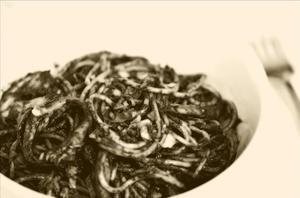 'Spaghetti al nero di seppia' con Potau