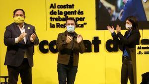 El presidente de ERC Oriol Junqueras con Pere Aragonés y la cabeza de lista de Lleida Marta Vilalta, en un miting en Lleida.