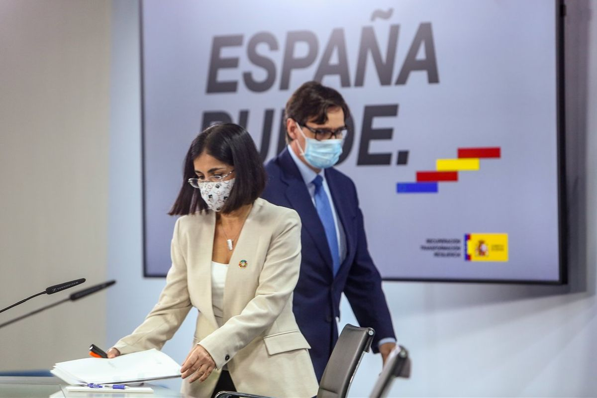 Los ministros de Política Territorial y Sanidad, Carolina Darias y Salvador Illa, este 4 de noviembre en la Moncloa tras la reunión del Consejo Interterritorial del Sistema Nacional de Salud (CISNS).