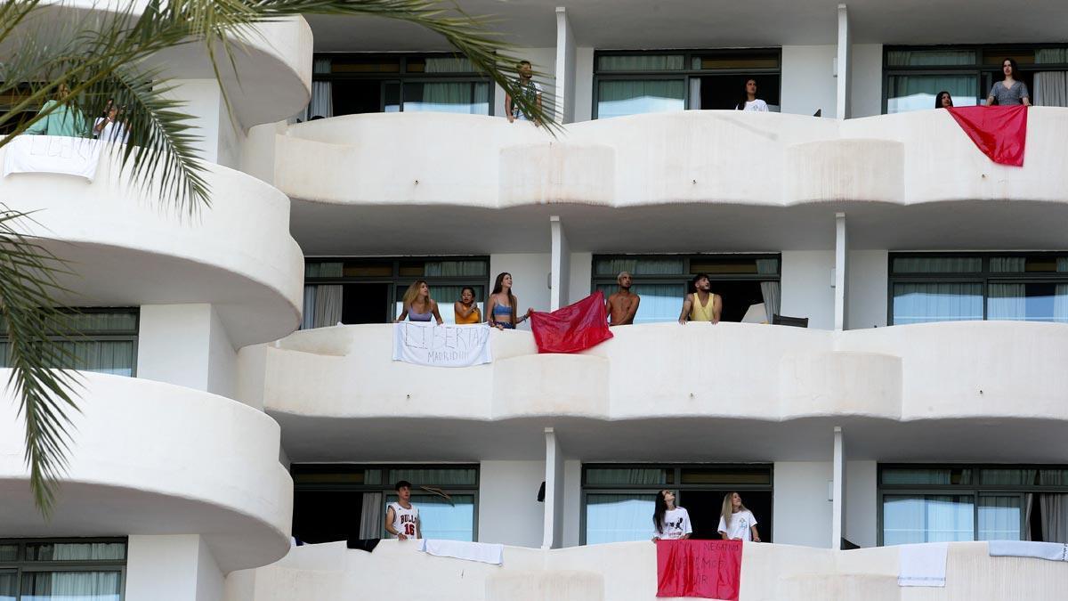 Hotel Palma Bellver, en Mallorca, donde permanecen aislados los jóvenes.