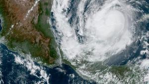 Los vientos de Delta con fuerza de huracán se extienden hasta 55 km.