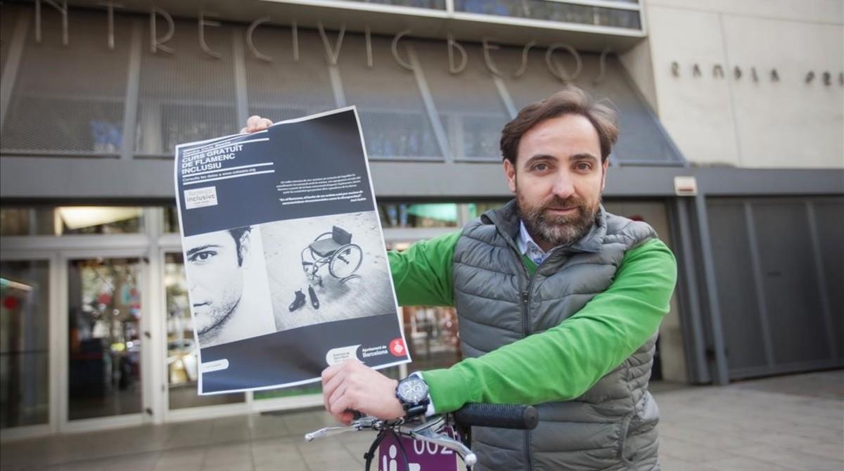 César León, impulsor y alumno del primer taller de flamenco inclusivo a las afueras del Centre Cívic Besòs