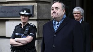 Salmond declarat innocent de les acusacions d'abusos sexuals a nou dones