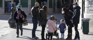 Vecinos de Grado , en Oviedo, de paseo por la ciudad