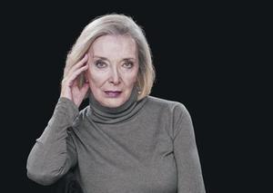 Núria Espert y su nuevo 'look', en una foto tomada en el Teatre Lliure.