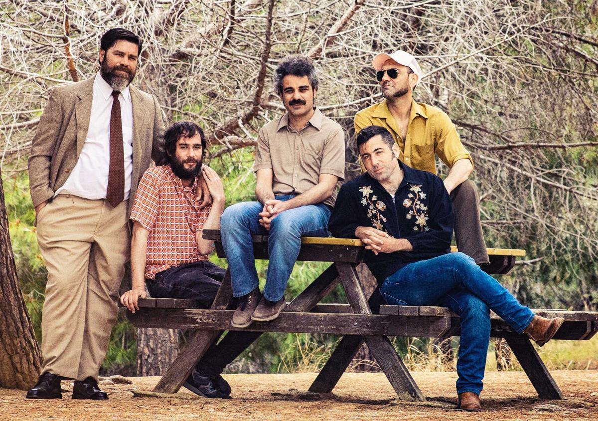 Hijos Del Trueno, con Daniel Granados debajo a la derecha.